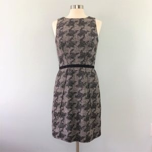 Taylor Sleeveless Lined Sheath Houndstooth Size 10